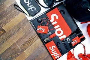 Supreme Et Louis Vuitton. red cotton louis vuitton x supreme scarf ... a0e7ef471af57