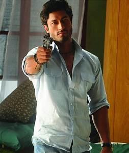 Meet the Force Villain Vidyut Jamwal | BollySpice.com ...