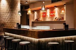 Bar Mit Tanzfläche Berlin : bricks berlin promi clubs top10berlin ~ Markanthonyermac.com Haus und Dekorationen