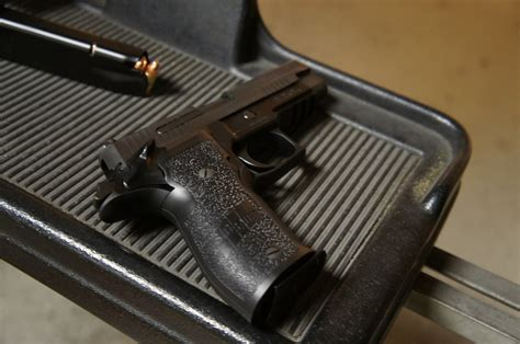 of the day sig sauer p226 elite sao gun nuts media