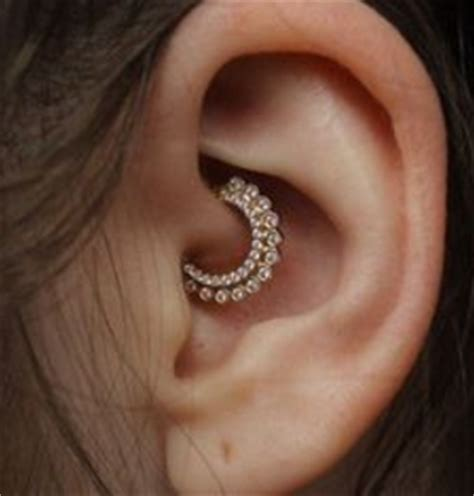 daith piercing healing time pain level infection