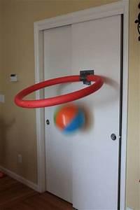 Panier Basket Chambre : diy un panier de basket pour la chambre partir d 39 une nouille de piscine cabane id es ~ Teatrodelosmanantiales.com Idées de Décoration