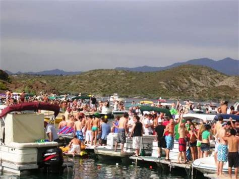 Cheap Party Boat Rentals Chicago by Lake Havasu Spring Break Guide By Coolestspringbreak
