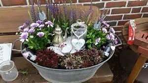 Blumenkübel Bepflanzen Vorschläge : sie kauft sich f r nur ein paar euro einen alten zinkk bel was sie damit tut sieht im garten ~ Whattoseeinmadrid.com Haus und Dekorationen