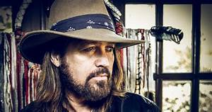 28 Interesting And Weird Facts About Billy Ray Cyrus