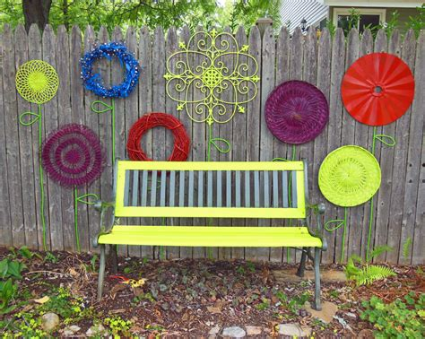 Garden Art : How To Make A Recycled Garden Fence Flower Folk Art