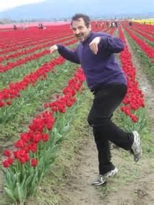 tiptoe through the tulips in washington s skagit tiptoe through the tulips live the questions now