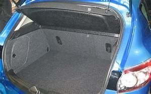 Mazda 3 Coffre : essai mazda 3 1 6 mz cd 2009 l 39 automobile magazine ~ Medecine-chirurgie-esthetiques.com Avis de Voitures