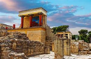 The Magnificent Palace of Knossos in Crete Was Stronghold ...