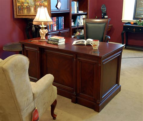 Space Saver Cherry Executive Office Puter Desk Small