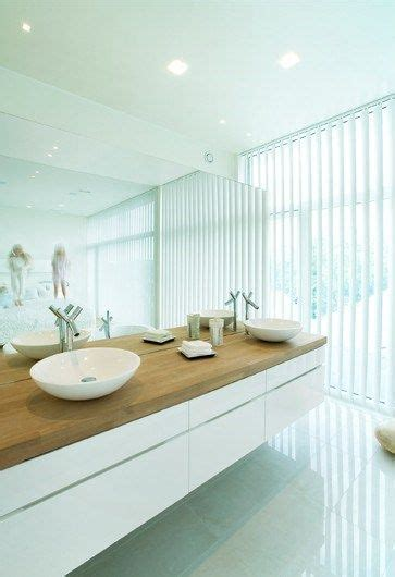 Waschtisch Mit Holzplatte edler waschtisch mit holzplatte und wei 223 em unterbau bad