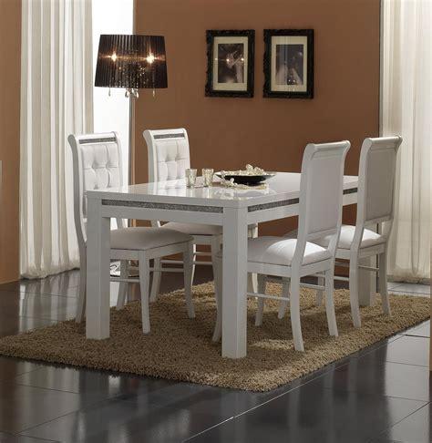 chaise blanche salle a manger salle à manger blanche et bois