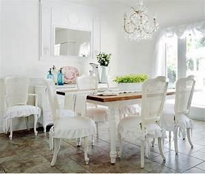 Salle A Manger Chic : le style shabby chic pour cette salle manger dont les chaises se recouvrent de romantique ~ Nature-et-papiers.com Idées de Décoration