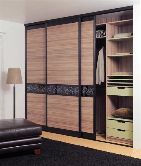 modele placard cuisine placard modèle placard encastré forum déco placards et rangements portes