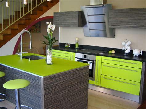 cuisine chocolat et vert anis déco cuisine en vert anis