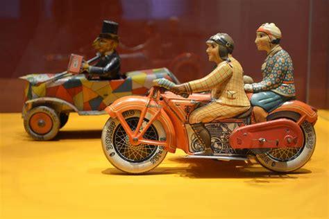 motorrad mit beiwagen sonderausstellung im oldenburger schloss bewegtes blech