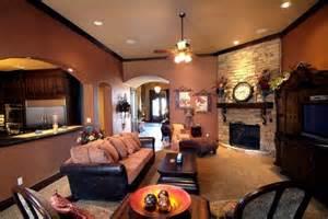 Mobili antichi arredamento moderno soggiorno divani cuoio