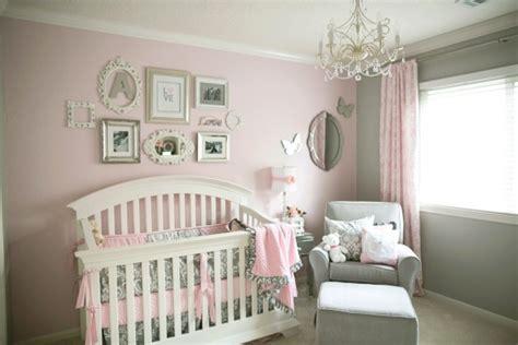 chambre bébé unisex quarto de menina cinza e rosa claro