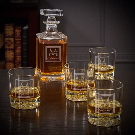 decanter whiskey glasses personalized american square liquor piece gift homewetbar bottle glass retirement heroes gifts quinton monogram decanters oakhill serve