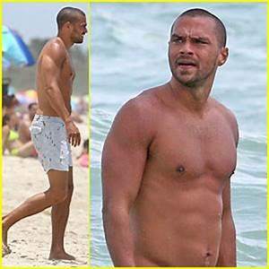 Jesse Williams: Shirtless Miami Vacation!   Jesse Williams ...