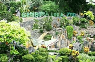 gambar kebun binatang gembira loka zoo jogja harga