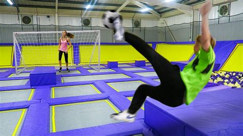 Giant Trampoline Park!!! Football Challenge Download