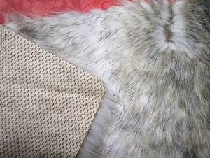 Fausse Fourrure Tissu : tuto changer une bordure de capuche vrai faux fourrure ~ Teatrodelosmanantiales.com Idées de Décoration