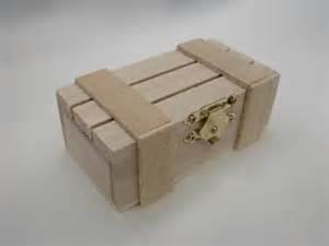 Petite Boite En Bois : la petite caisse lattes bois vide ~ Teatrodelosmanantiales.com Idées de Décoration