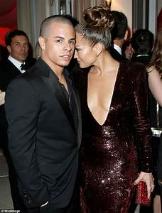 Oscars 2012: Jennifer Lopez introduces boyfriend Casper ...
