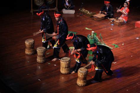 kesenian musik sulawesi tenggara gonglago