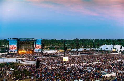 stagecoach  lineup  announced cactus hugs