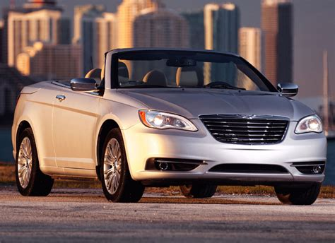 Chrysler 200 Convertible 2011 by 2011 Chrysler 200 Convertible Photo 5 10414