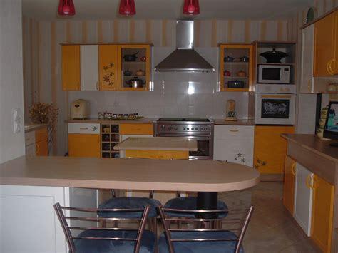 cuisine jaune cuisine jaune ustensiles photo 2 5 cuisine jaune de danielle