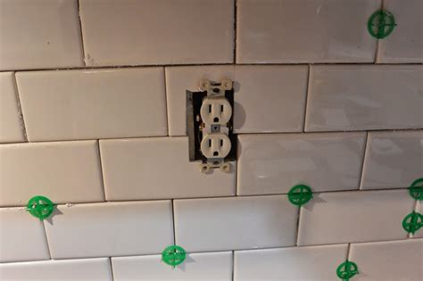 mixin mom diy kitchen    subway tile backsplash