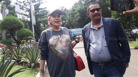 Ribut Dengan Pengacara Kriss Hatta Nikita Mirzani Penuhi
