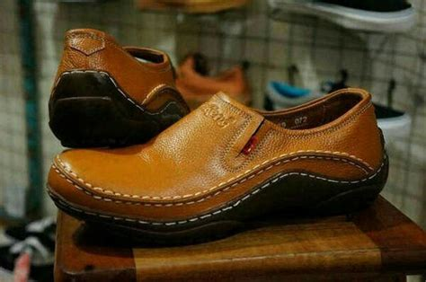 jual unik sepatu casual pantofel kickers pria kulit asli murah di lapak kedai olshop nano103