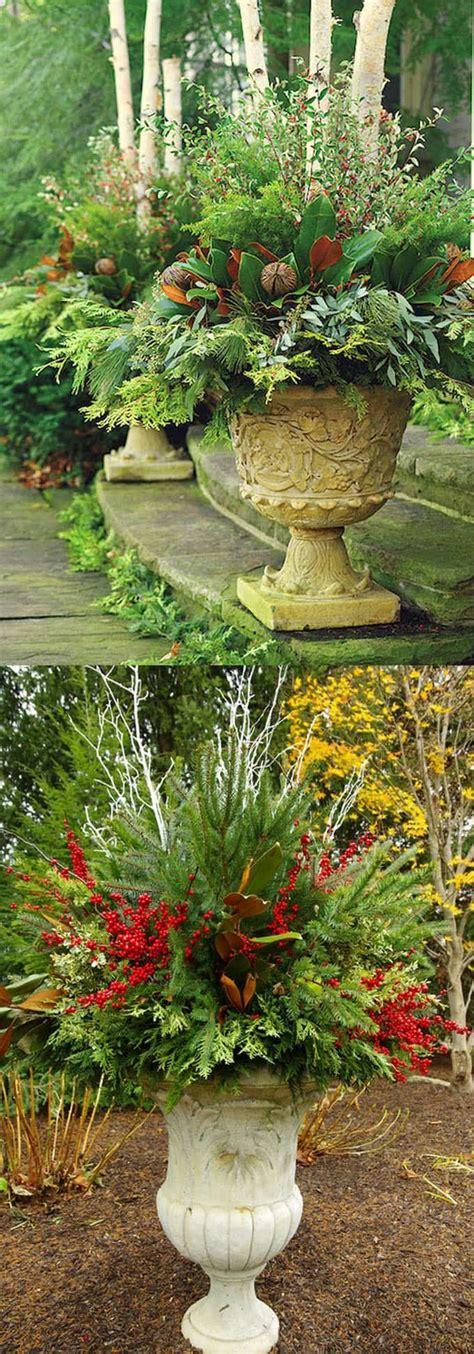 christmas urns ideas   pinterest outdoor