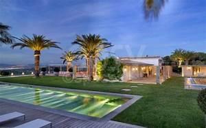 Location de villa prestige avec piscine vue mer photos for Delightful maison a louer sud france avec piscine 13 location maison contemporaine vue mer pour prises de vues