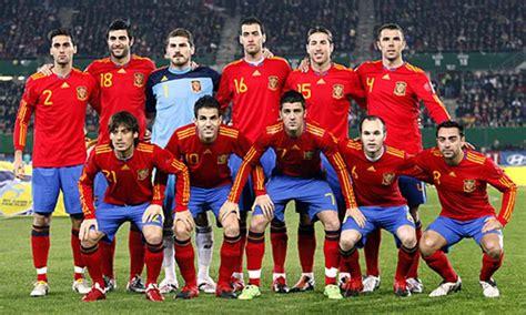 Spanien bei der em 2021: Fußball: Spanien übernimmt Spitze in der Weltrangliste ...