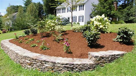 Backyard Landscape Plans by Landscaping Ideas For A Front Yard A Berm For Curb Appeal