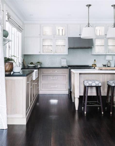 lighting cabinets kitchen 17 best ideas about coastal kitchens on 7063