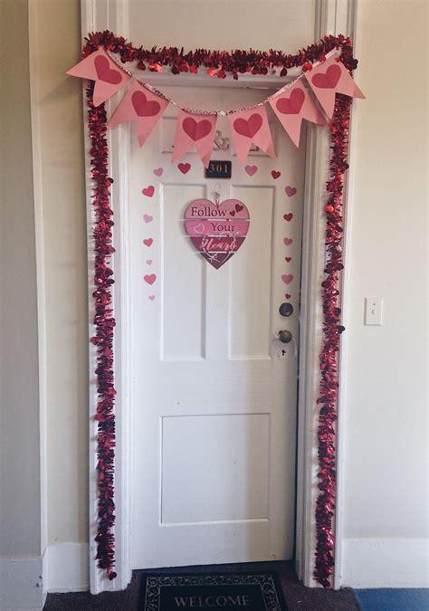 valentines day dorm door decoration ideas pink  red