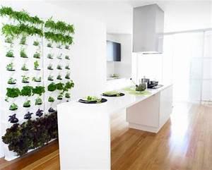 Küche Deko Wand : coole praktische deko ideen f r ihren balkon urbio pflanzgef e ~ A.2002-acura-tl-radio.info Haus und Dekorationen