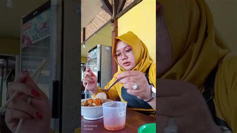 Makan Mie Ayam Pake Bakso What Youtube