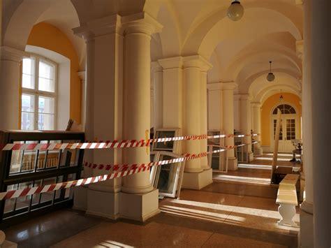 No 29. novembra slēgta ieeja Jelgavas pils Ziemeļu ...