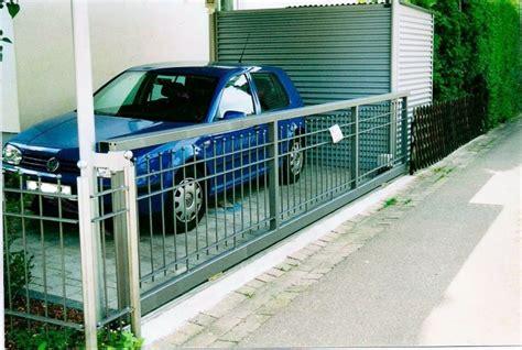 Das Tor Alles Ueber Die Oeffnung Im Zaun by Tore Tor 22
