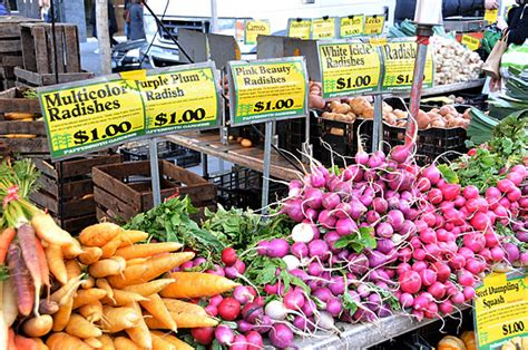 Photos of the Union Square Greenmarket, a farmers' market ...