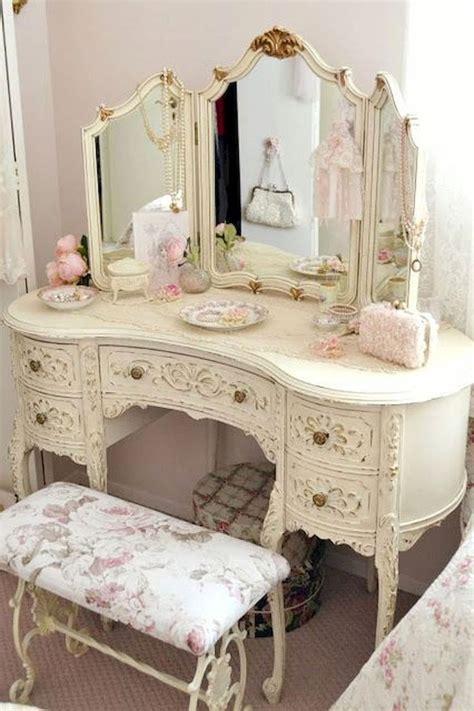 Bedroom Vanity Furniture by Best 25 Antique Bedroom Decor Ideas On