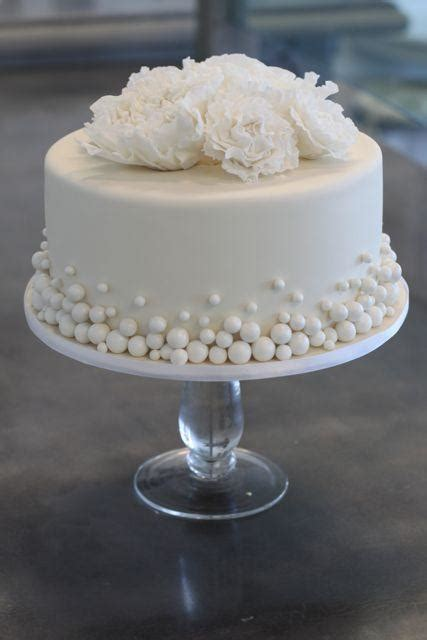 pixies studio quality affordable wedding cakes