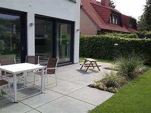 Terrassen Fliesen Großformat : terrasse mit grossformat platten righini garten und landschaftsbau ~ Frokenaadalensverden.com Haus und Dekorationen